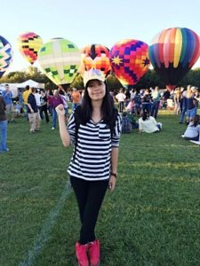 China tchr at balloon glow